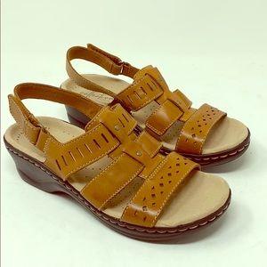 Clarks Lexi Qwin Leather Sandal Tan Size 5 M
